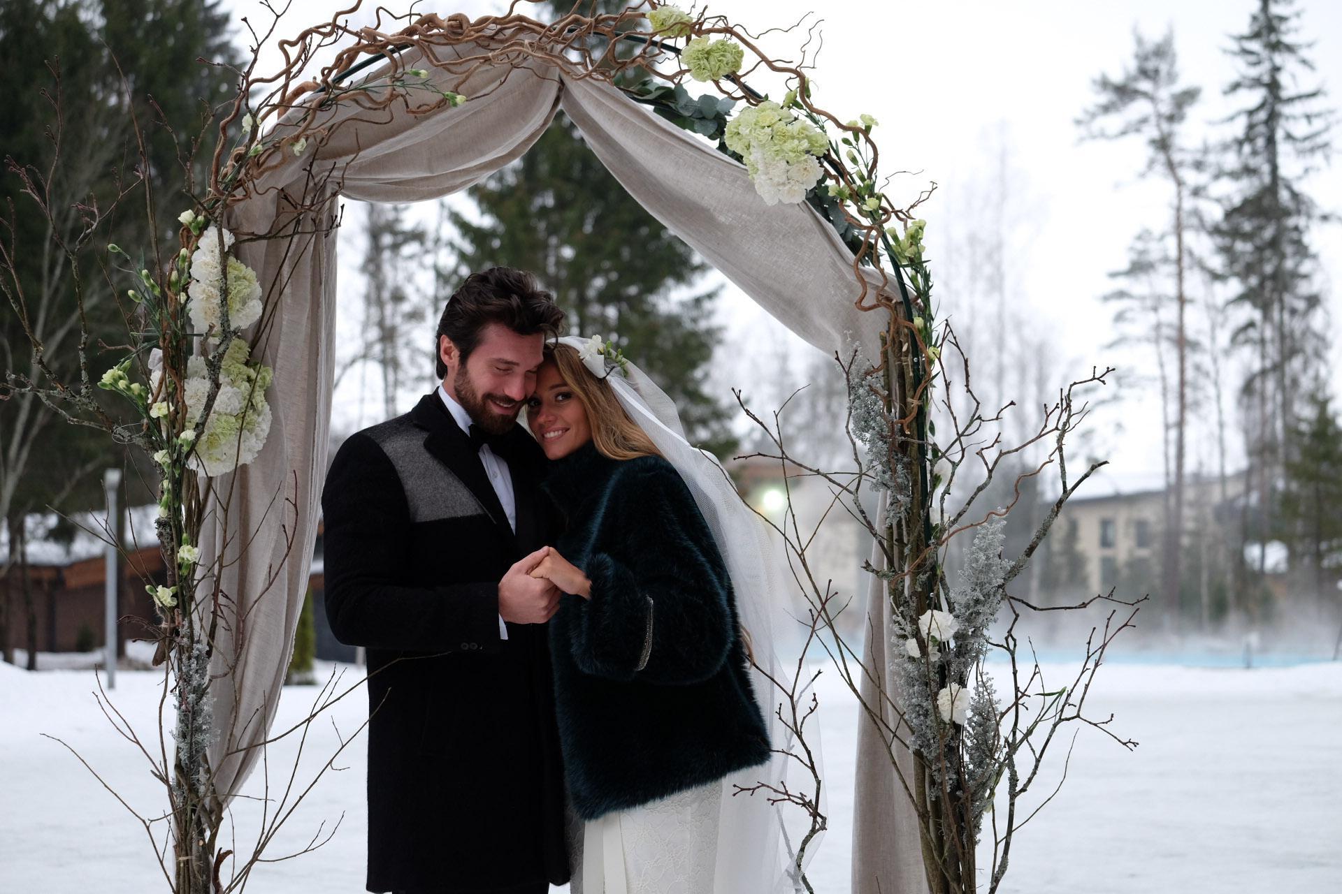 18 идей для свадьбы в Подмосковье: парк-отели, усадьбы, замки