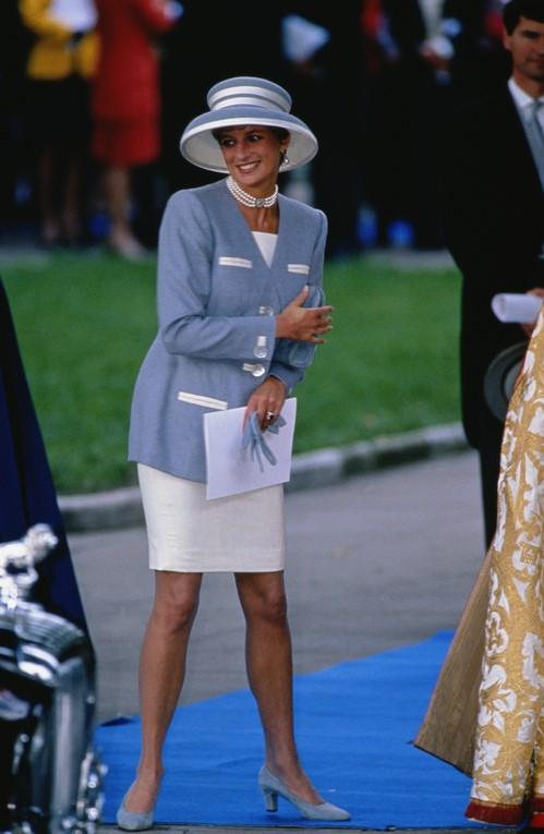 Лучшие образы принцессы Дианы на королевских свадьбах