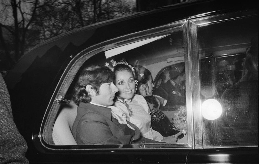 10 редких видео: свадьбы Елизаветы II и Элвиса Пресли, шутки принца Филиппа и свадебный торт