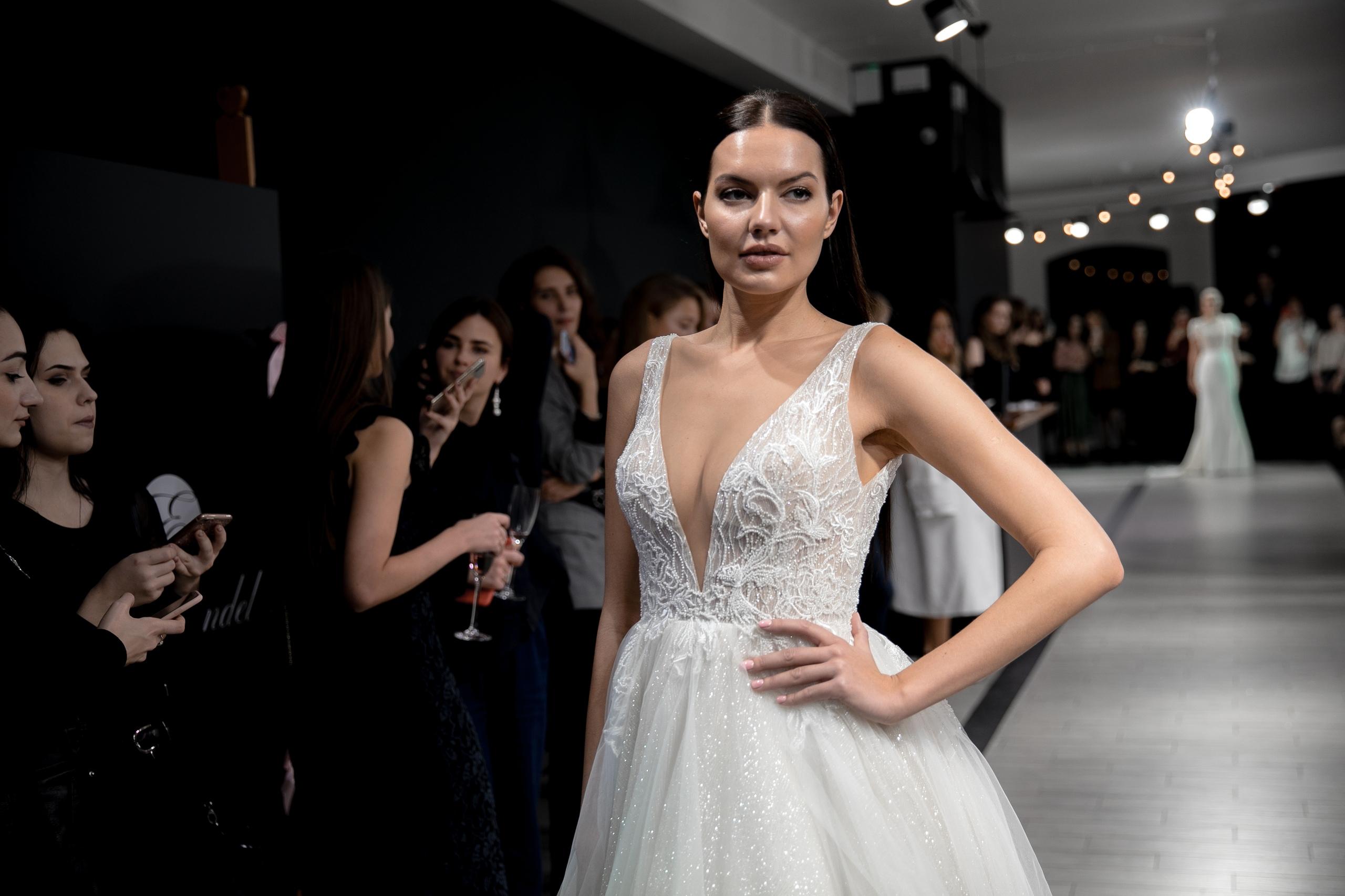 Почему мы так любим платья Crystal Design