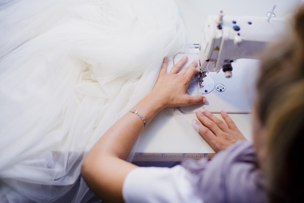 Как делают свадебные платья?