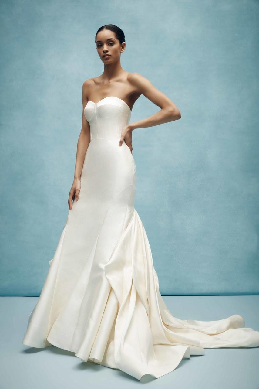 Выбираем лучшие образы Bridal Fashion Week