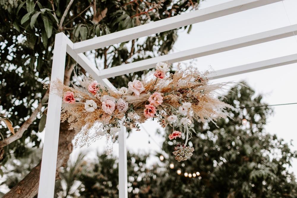 Как использовать сухоцветы в свадебном декоре?